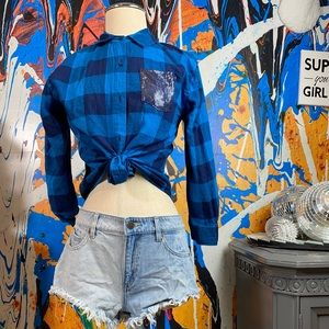 Cute flannel with booty shorts!